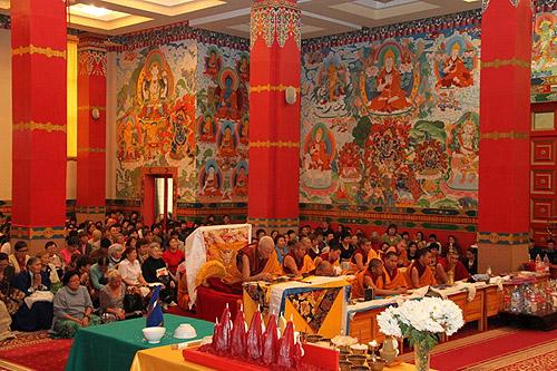 Dorado Morada de la Buda Sakyamuni