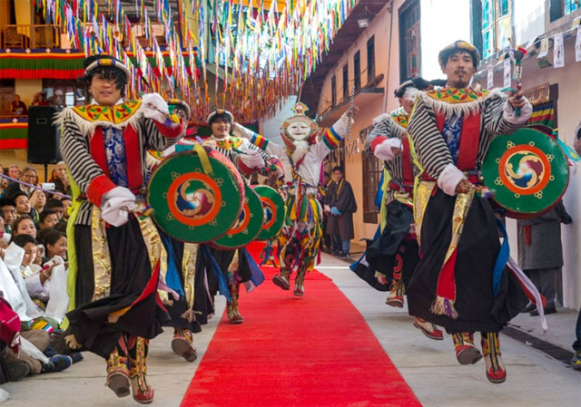 Concert of Tibetan and Kalmyk performers
