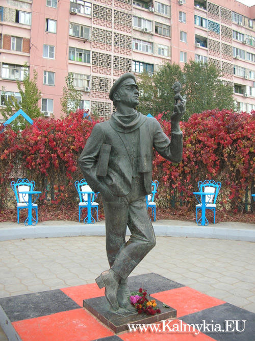 Monument to Ostap Bender